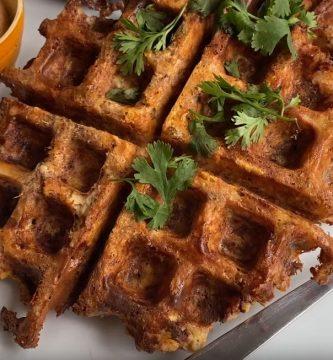 Waffles Keto de Atún